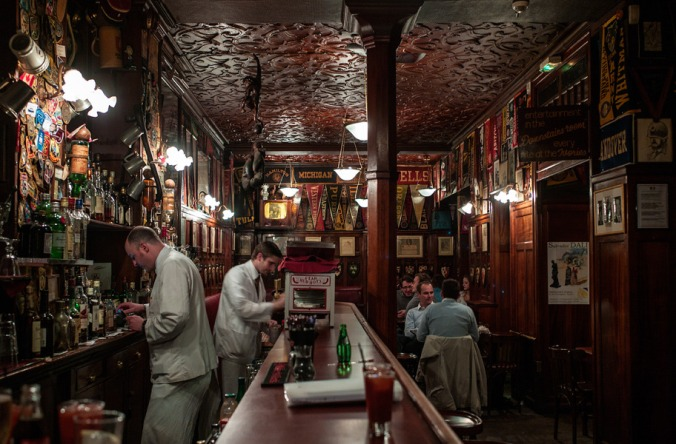 Harrys-New-York-Bar-Paris-photo-by-Jonathan-Savoie_1200